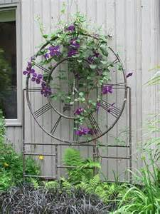 Ideas For Metal Garden Trellis Design These Metal Garden Trellises Are Beautiful With Or Without Plants