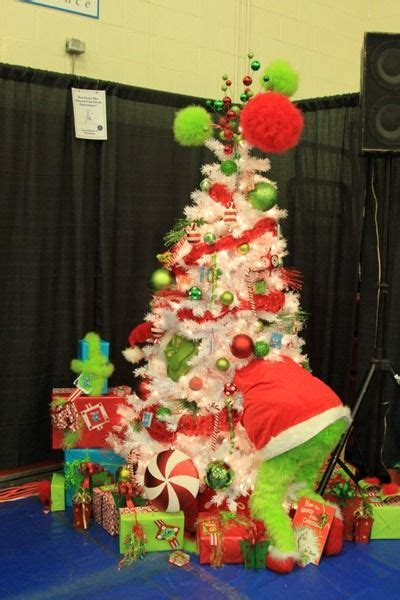 christmas tree decorating contest ideas grinch tree on whoville grinch and whoville