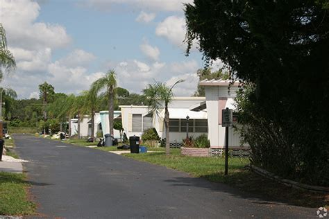 Mobile Home Parks Sarasota Fl by Illinois Lakeshore Management Buys Two Mobile Home Parks