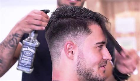 15 gaya rambut terbaik 2017 ada yang bisa dibentuk dalam 1 menit 25 gaya rambut lelaki yang bakal populer 2018 fashion