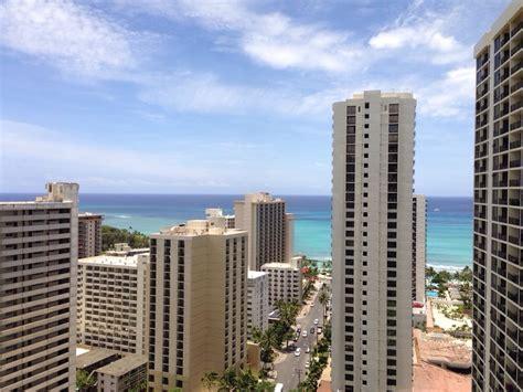 Waikiki Banyan   24 Photos & 14 Reviews   Vacation Rentals
