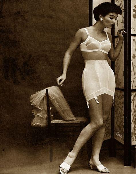 vintage girdle lingerie 1950s my fav 50 s ropa interior pinterest