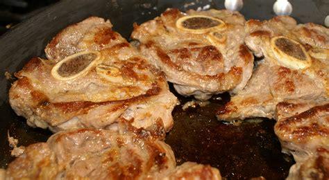 come si cucinano gli ossibuchi di vitello ricetta ossibuchi al forno con i funghi roba da donne