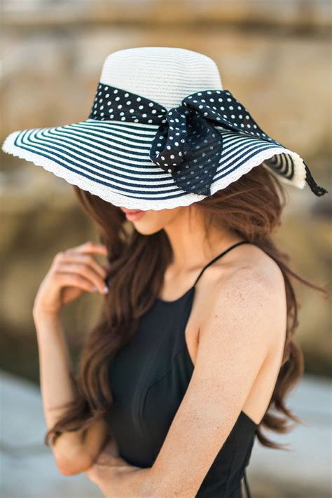 floppy hats striped sunhats summer outfit inspiration