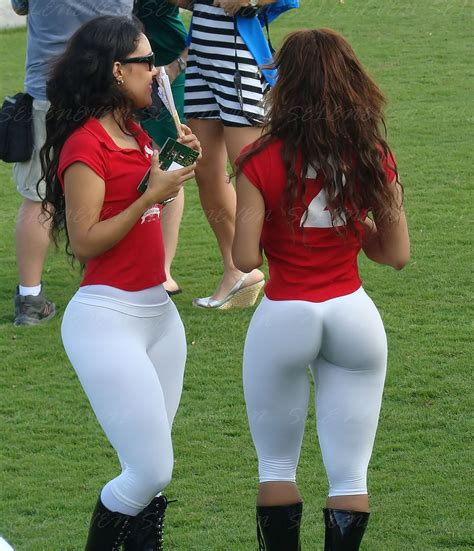 girls who go to cricket games in panama
