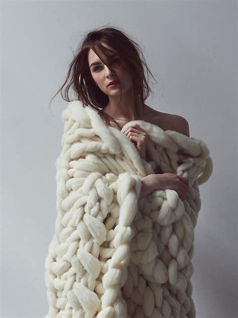 big knits no i m not thumbelina i just knit with needles and