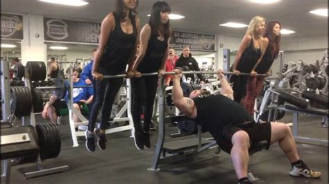 bench press pictures eddie hall bench pressing 4 girls at strength asylum youtube