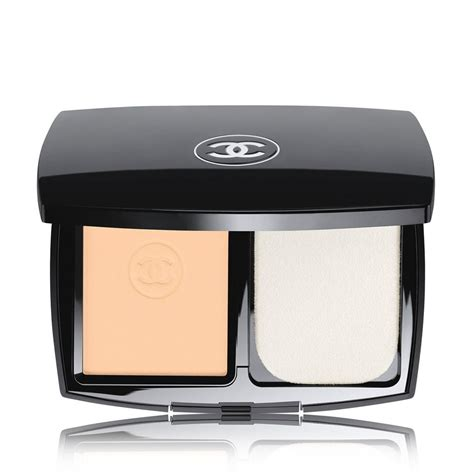 Chanel Les Beiges Compact Powder le teint ultra tenue ultrawear flawless compact foundation