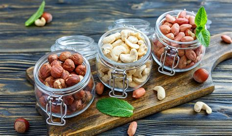 are cashews for dogs what are the safe nuts for dogs to eat