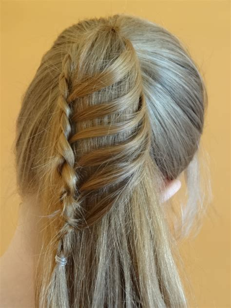 ponytail hairstyles wiki file ladder braid ponytail jpg wikimedia commons