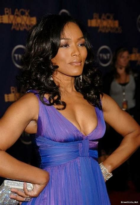 marrriage after age 50 african american female angela bassett to play dr amanda waller in green lantern