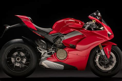 V4 Motorrad by This Is The Ducati Panigale V4 Motofire