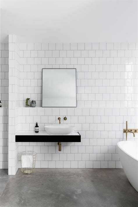 white tile bathroom ideas 25 best ideas about white tiles on geometric