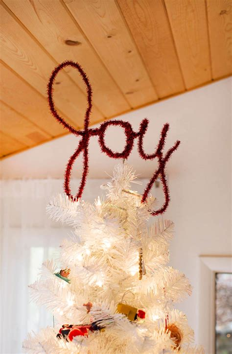 how to make an easy tree topper easy diy tree toppers a beautiful mess