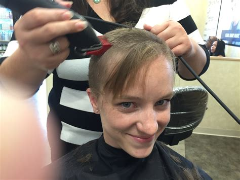 pics of women with 1 inch hair prmc officer donates her hair as she preps for ranger