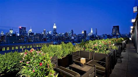 best roof top bars nyc best rooftop bars in new york city to drink