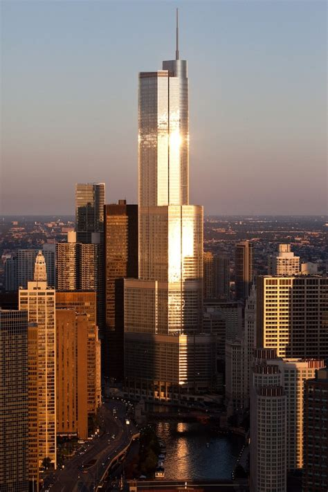 trump tower chicago il chicago pinterest donald trump tower chicago skyscraper pinterest