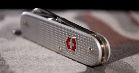 Swiss Army 3009 Original 1 tsa to allow small knives back on planes budget travel