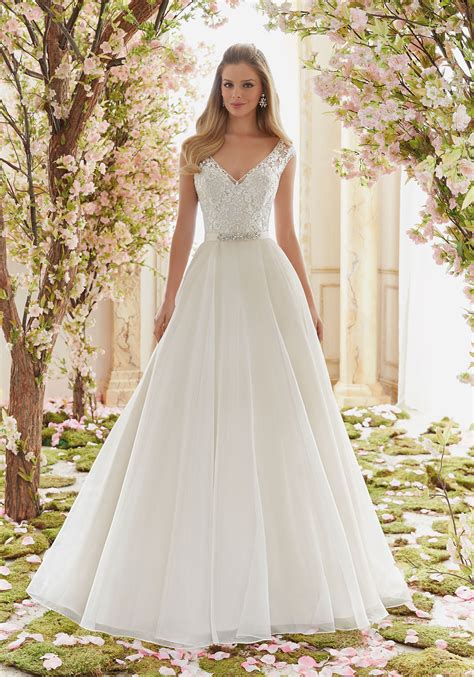 Brautkleider Organza by Beaded Embroidery On Organza Wedding Dress Style 6836