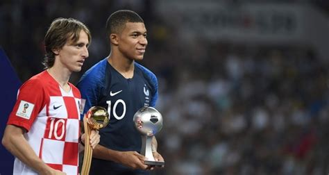 kylian mbappe golden ball croatia s modric wins golden ball as world cup top player