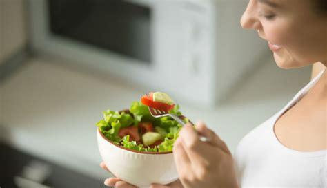 membuat salad buah untuk ibu hamil 5 tips membuat salad sehat dokter sehat