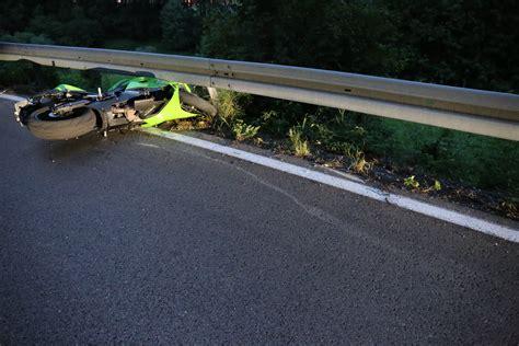 Unfall Motorrad F Ssen by Oberbeuren Motorradfahrer St 252 Rzt Auf Oberbeurener Steige