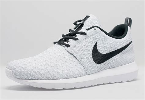 The nike flyknit roshe run is the ultimate silhouette for spring and
