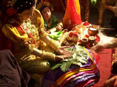 4 128gb Di Indonesia mengulik tradisi unik pernikahan tradisional di indonesia