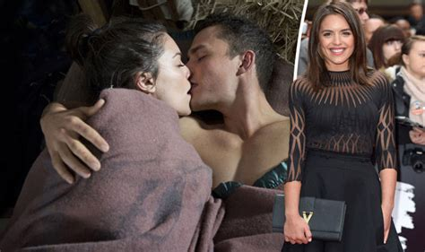 paige smith neighbours olympia valance has terrible paige and jack