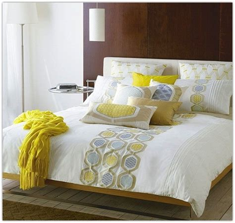 bed pillow decorating ideas bed pillow decorating ideas home design