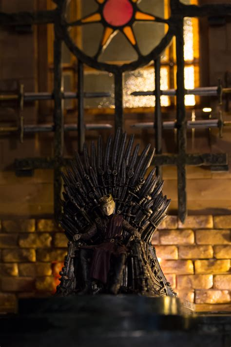 iron throne room construction set