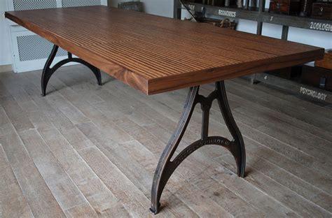 Kork Tischplatte by Industrial Tisch Mit Beine Aus Gusseisen
