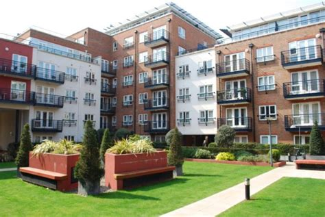 2 bedroom flats to rent in kingston 2 bedroom flat to rent in earlsfield house royal quarter