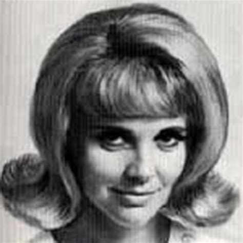 hairstyles of the 50 s and 60 s 60s hairstyles for women