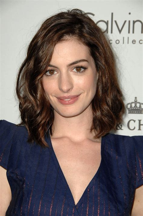 curly lob hairstyle pictures anne hathaway hairstyles short long haircuts on anne