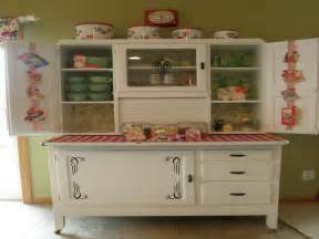 Vintage Kitchen Cabinets by Antique Kitchen Cabinet At Low Cost My Kitchen Interior