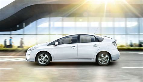 Toyota Rebates And Incentives Toyota Ups Prius Incentives To 3 000 For Some Californians