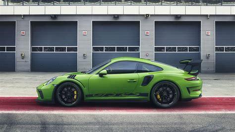 Porsche Gt3rs by 2019 Porsche 911 Gt3 Rs Races Into Geneva With 520 Hp