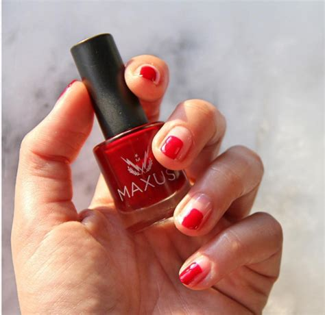 Gift Nails - you can gift your bff a nail set from the brand