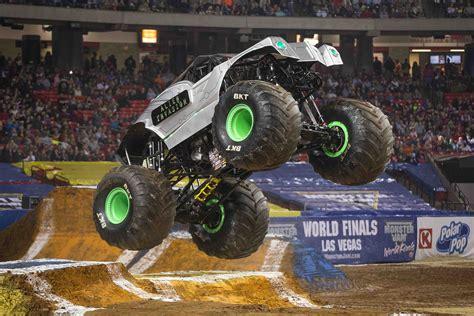 monster truck shows 2016 monster jam 174 returns in 2016 plus win a monster jam
