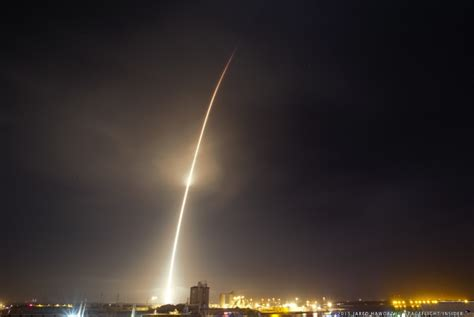 christmas comes early for spacex falcon 9 returns to flight with orbcomm og2 mission