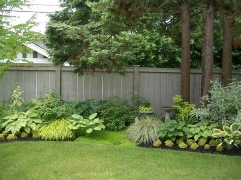 Fence Ideas For Small Backyard Some Helpful Cheap Backyard Fence Ideas Using The Recycle Material For The Adorable Yet