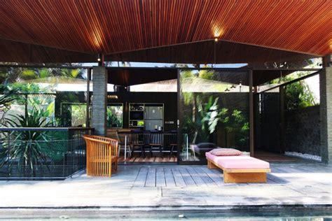 haus mieten auf bali swimming pool auf der terrasse im exotischen origami