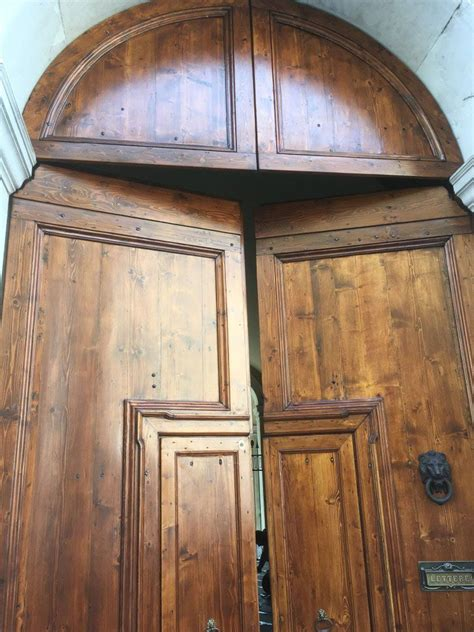 porte in legno massiccio portoni in legno massiccio