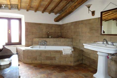 bagno 4 mq casale in vendita a orvieto umbria