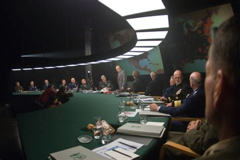 Dr Strangelove War Room by Watchmen S World Draws From Strangelove Taxi Driver Wired