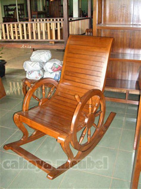 Kursi Goyang Roda kursi goyang kayu jati jual kursi goyang jati harga murah mebel jepara cahaya mebel jepara