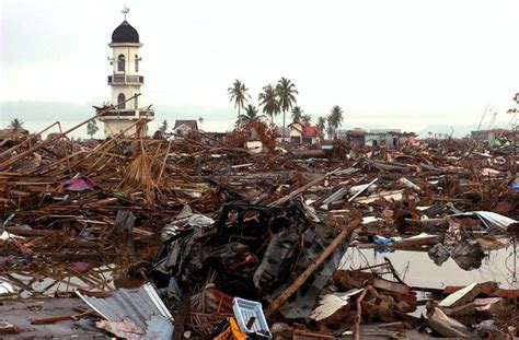 earthquake jakarta right now indonesia tsunami pictures banda aceh then and now