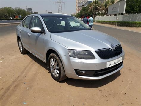 skoda octavia diesel price in india skoda octavia diesel 2 0 tdi elegance at price specs