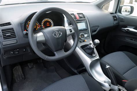 toyota auris interior 2010 toyota auris updates autotribute